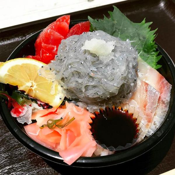 日本淡路島觀光 吻仔魚海鮮丼